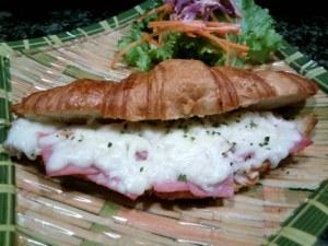 Croissant Ham